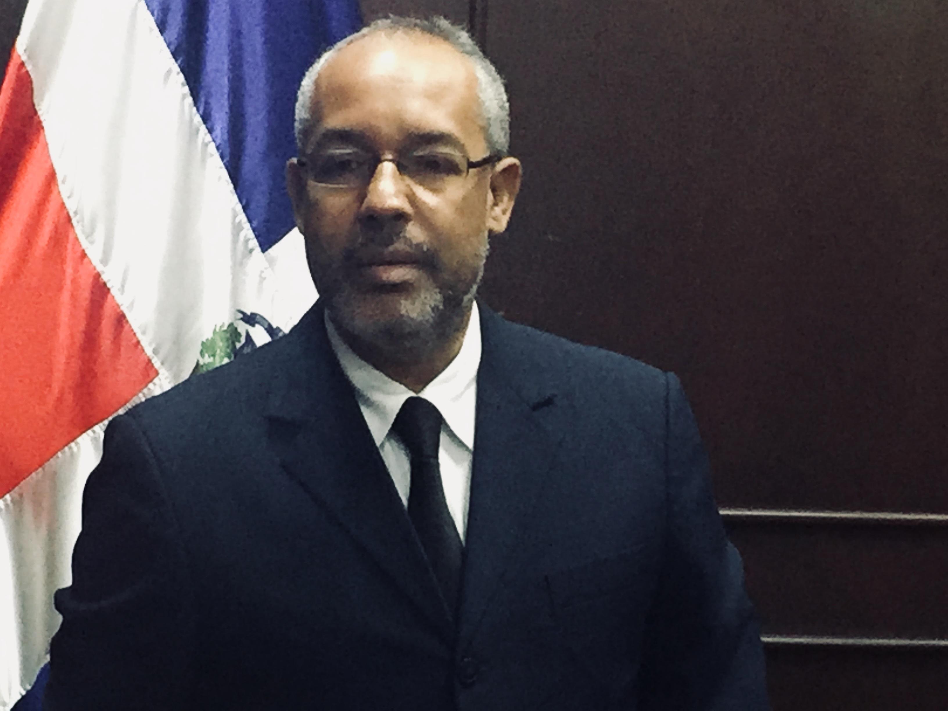 Presidente Ayuntamiento lamenta ausencia de regidores en sesión donde se conocería contrato de recogida y disposición de la basura y otros puntos